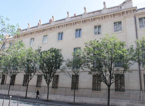 L'Arsenal de Paris : façade sur le boulevard Morland