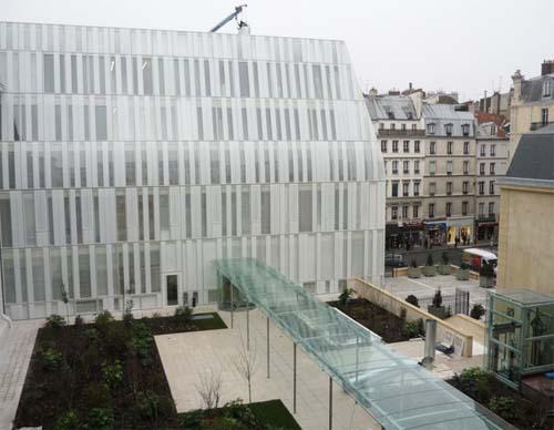 Le siège de la Banque postale : le nouveau bâtiment implanté rue de Sèvres