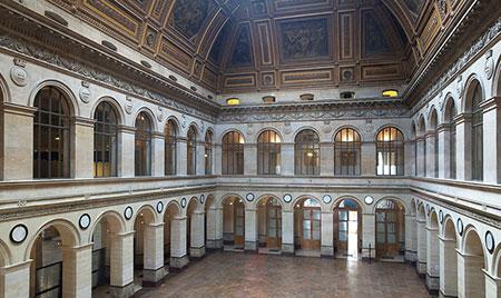 Le palais Brongniart : la salle des marchés