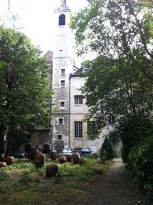 Le jardin des Carmes - Le campanile d'inspiration italienne