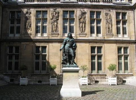 L'hôtel Carnavalet - Façade sur cour