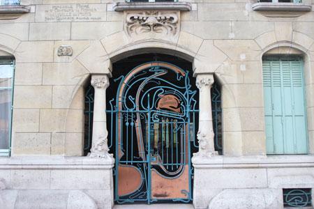 Le Castel Beranger - La porte d'entrée