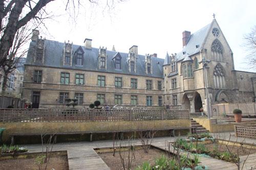 L'hôtel de Cluny - Façade sur jardin
