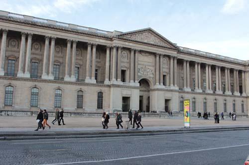 Le Palais du Louvre - La colonnade