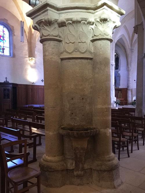 L'église Saint-Germain de Charonne : un pilier et son chapiteau sculpté