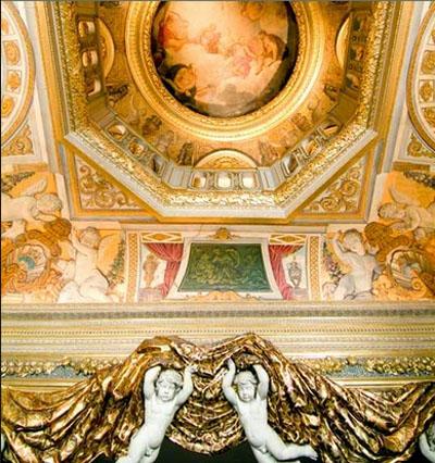 L'hôtel Amelot de Bisseul : le plafond de la chambre à l'italienne