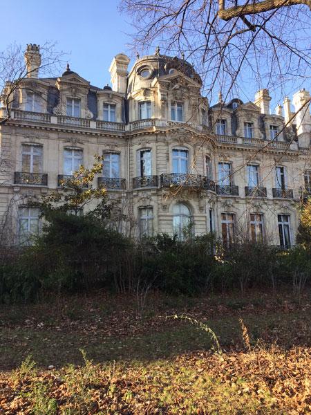 L'hôtel Emile-Justin Menier : la façade sur le parc Monceau