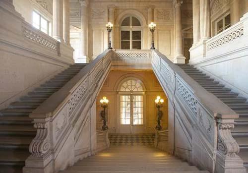 Le grand escalier de l'hôtel de la Monnaie