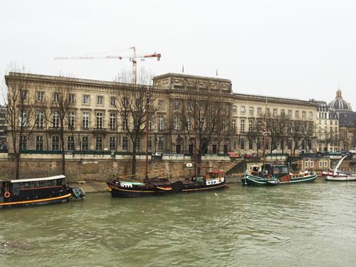 L'Hôtel des Monnaies aujourd'hui, vu de l'ile de la Cité