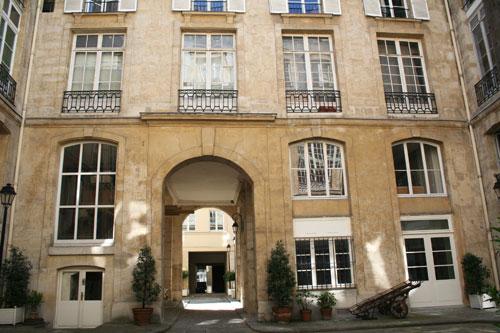 L'hôtel de Villeroy - 1ère cour