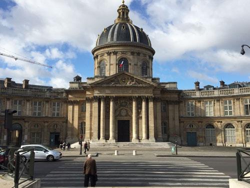 Le collège des Quatre-Nations - L'Institut de France et la bibliothèque Mazarine