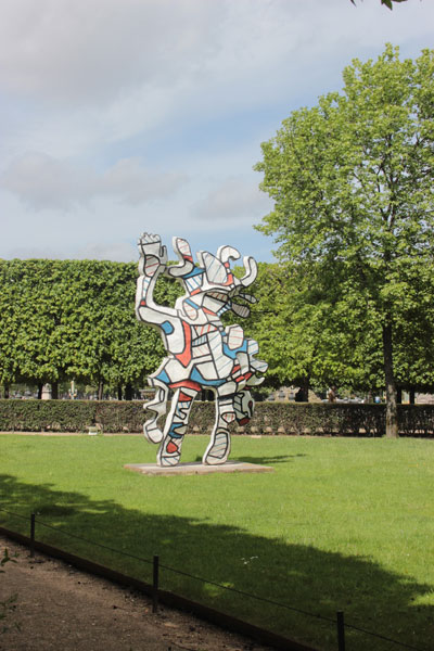 Le jardin des Tuileries - Sculpture de Jean Dubuffet
