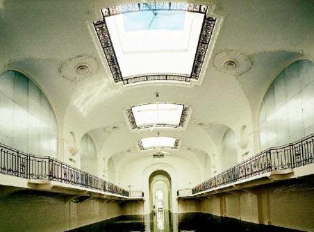 Le palais du Prolétariat : l'ancienne sal de bal sert aujourd'hui aux défilés du couturier Jean-Paul Gaultier