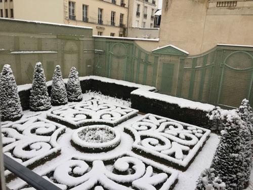 Le musée de la Chasse : le jardin à la Française sous la neige