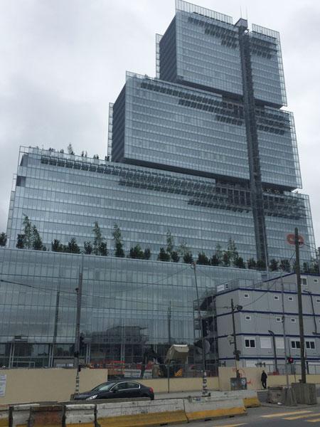 Le Tribunal de Paris pendant sa construction (en mai 2017)