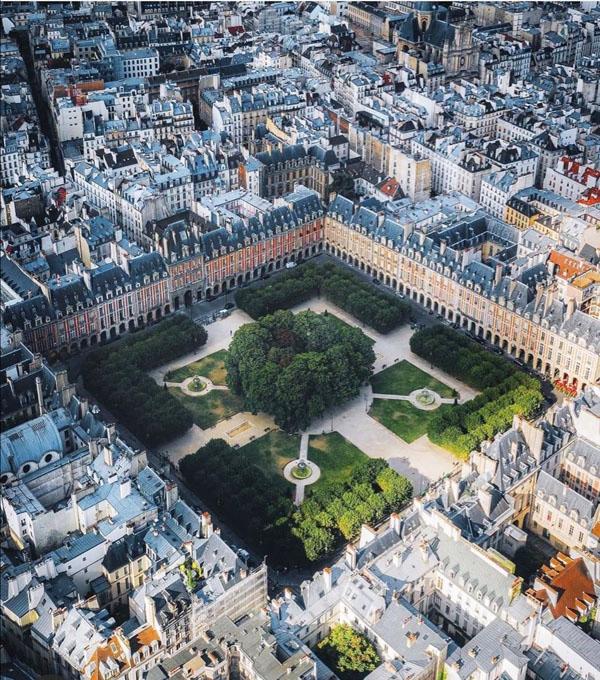 Vue aérienne de la place des Vosges
