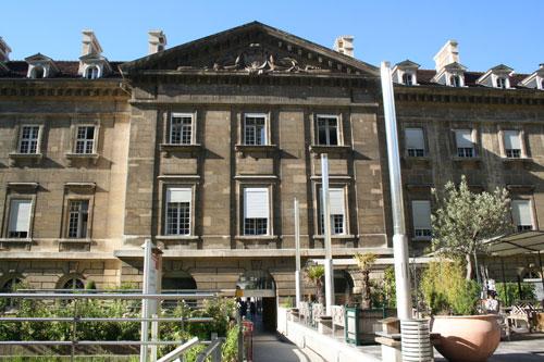 L'hôpital Saint-Antoine - Pavillon de l'Horloge