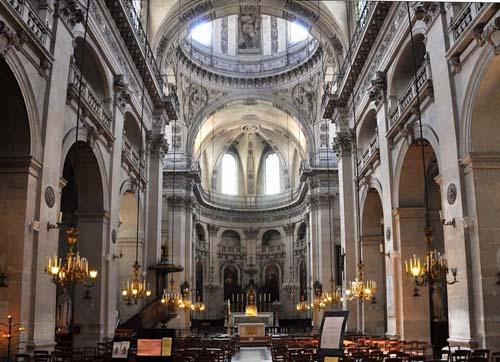 L'église Saint-Paul-Saint-Louis : la nef et le chœur