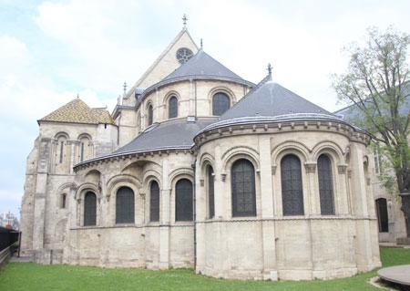 Prieuré Saint-Martin des Champs : chapelle axiale et chœur vus de l'extérieur