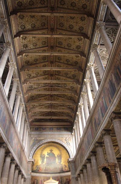 L'église Saint-Vincent de Paul - Le plafond de la nef