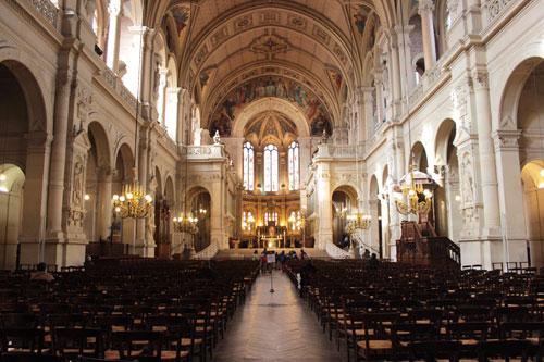 L'église de la Sainte Trinité - La nef