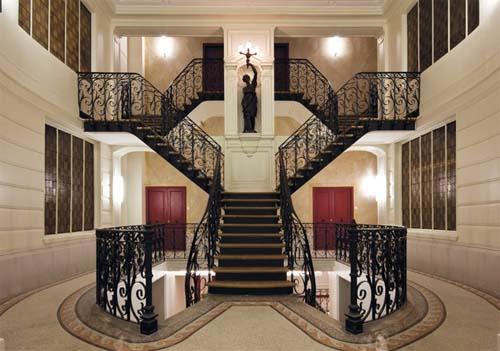 La villa des Arts - L'escalier double