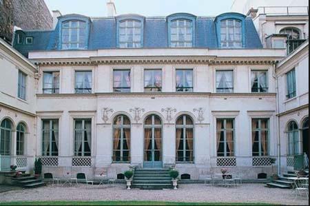 L'hôtel de Bourrienne - Façade sur le jardin