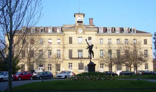L'hôpital Sainte-Anne : le bâtiment de l'administration