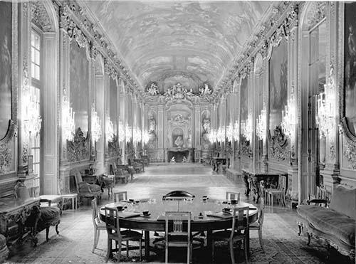L'hôtel de Toulouse : la galerie Dorée