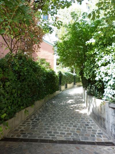 La villa des Platanes : jardin donnant sur la seconde cour