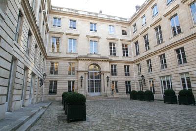 Hôtel de Saint-Florentin - cour d'honneur