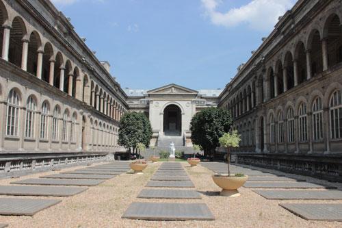 Hôpital l'hôtel-Dieu - galeries latérales et chapelle