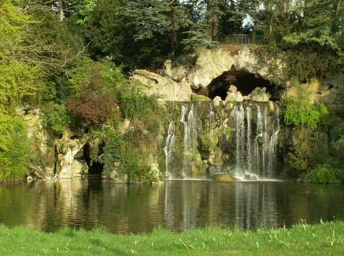 Le bois de Boulogne - La cascade