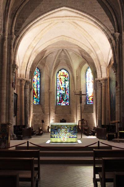 L'abbaye Saint-Pierre de Montmartre - L'autel et le chœur