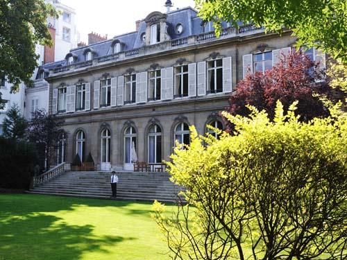 L'hôtel de Beauvau - Façade sur jardin