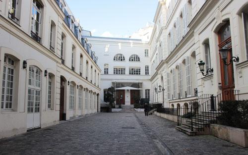 Cour du n°13 rue du Mail