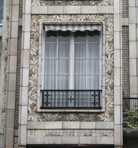 immeuble d'habitation, rue Franklin - Motif de rhododendrons