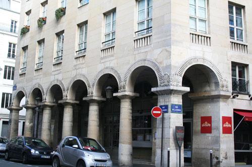 La rue des Colonnes