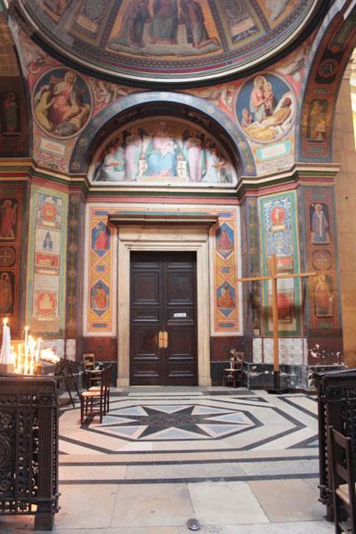 L'église Notre-Dame de Lorette - Chapelle entièrement décorée