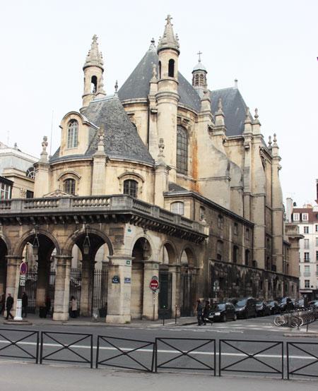 L'église de l'Oratoire du Louvre - La rotonde du chevet et les arcades longeant la rue de Rivoli