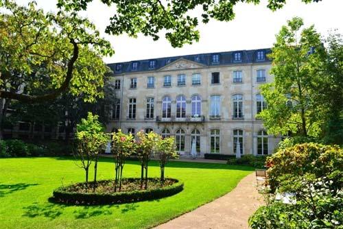 L'hôtel de Beauharnais - Façade sur jardin