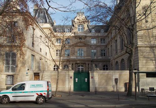 L'hôtel Fieubet - L'hôtel vu du quai des Célestins