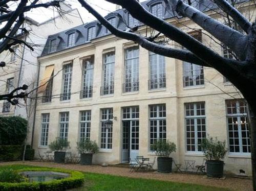 L'hôtel Libéral Bruant : la façade sur le jardin