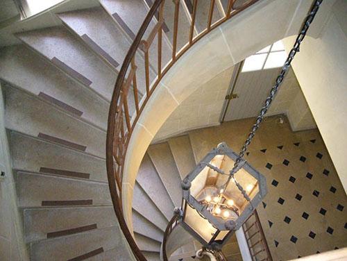 L'hôtel Libéral Bruant : l'escalier