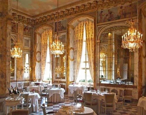 La salle à manger de l'hôtel Crillon (ancien hôtel d'Aumont)