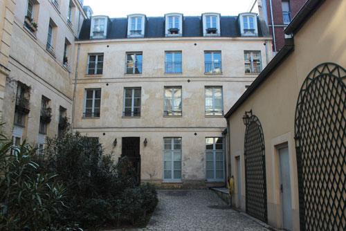 Le couvent de la Madeleine de Traisnel - Bâtiment en fond de cour