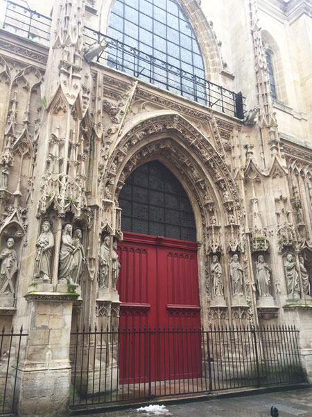 L'église Saint-Merri : le portail de style gothique flamboyant