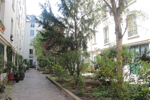 La cour Saint-Hilaire