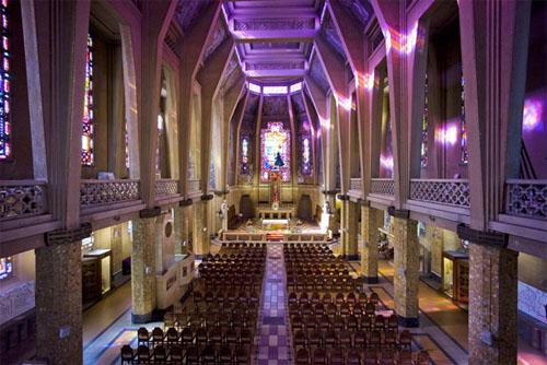 L'église Saint-Jean Bosco : la nef