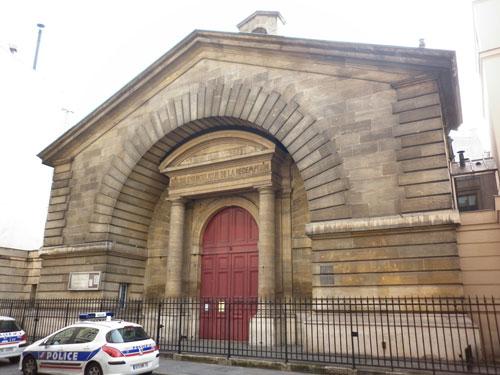 L'église de la Rédemption - La façade sur la rue